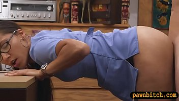 unexperienced dame gets plumbed by pawn.