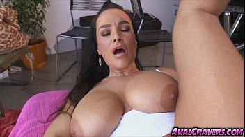 bombshell woman lisa ann enjoys a jiggly gigantic penis