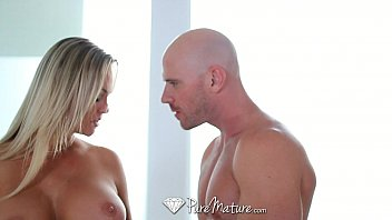 hd puremature - chesty cougar abbey brooks munches.