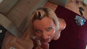 blondine auf der strasse angesprochen und.