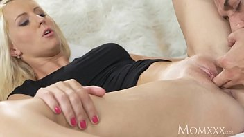 mummy mature blondie beautyrsquo_s cougar cunt pounded with.