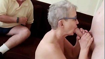 pareja de 76 antilde_os con corneador.