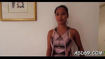 lean thai sweetheart gives an oral