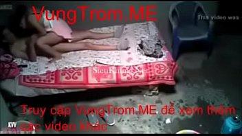 quay leacute_n thanh niecirc_n i chi gaacute_i tagrave_u.