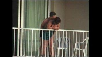 sexo en el balcon del motel