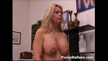 bionda matura italiana gode con cazzo duro -.