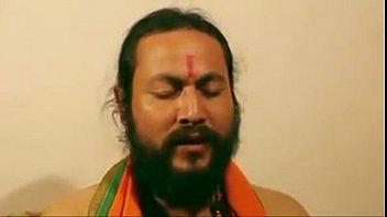mallu bhabi penetrated by hindu monk