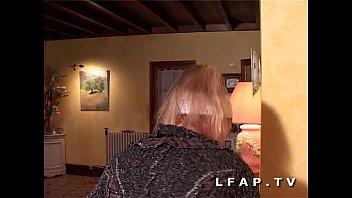 jolie blondie francaise adore la sodo.