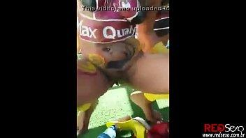 flagra mulher gostosa pelada no carnaval.