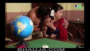 majburi cool desi indian aunty polistation mein chud.
