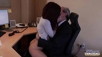 i am a youthfull assistant seducing my chief.