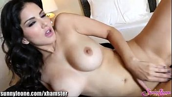 sunnyleone nasty unwrapping in her apartment