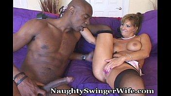 nasty wifey smashes ample fuckpole