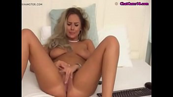 sumptuous stunner dildoing and frigging her.