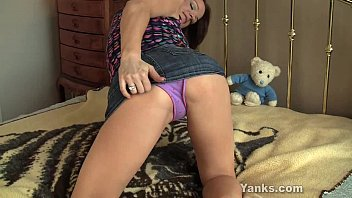 luxurious janessa fapping her cooch