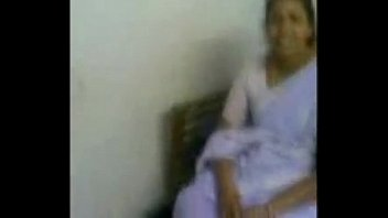 indian bhabhi suching her devor -.