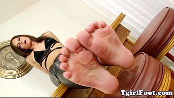 toes fetish tgirl taunting with painted.