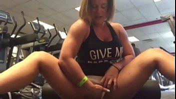 charli frigs her vag in the gym - pornhubcom