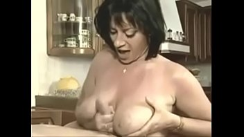 gif grosse ejac sur les gros seins d039_elodie.
