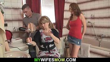 stud boinks uber-sexy gfs mom
