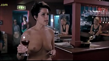 neve campbell nude episode i truly hate my.