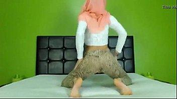 beautiful arab butt on web cam - sign.