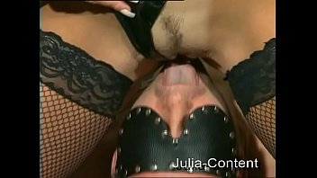 fetish-shag by a duo in livingroom