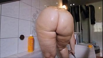 supah hot phat ass milky girl taking bathroom.