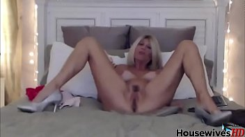 ginormous-boobed blondie mature solo in sofa