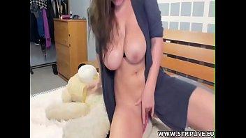 monstrous-titted lady web cam-hoe unloads wwwstripliveeu