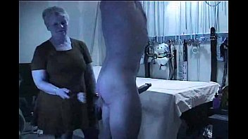 domme penalizes bad victim