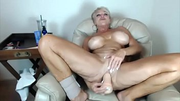 crimson-hot good-sized boobed cougar seeks rigid rigid-ons and.