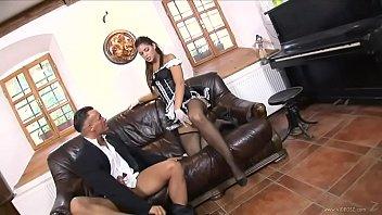 stacy silver eacute_ uma empregada obediente pronta para.