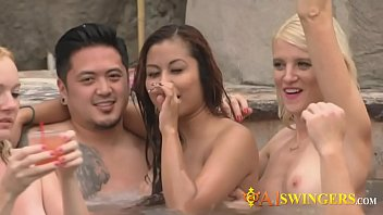 a1swingers-15-1-218-wag-season-1-ep-four-nikki-and-mark-2