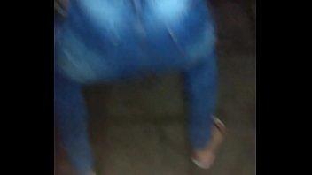 minha esposa rebolando becirc_bada na rua.