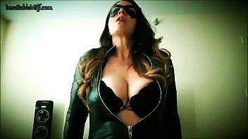 catwoman entices batman by diane andrews