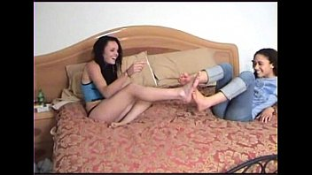 mimi allen foot taunt and bod.