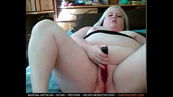 plus-size bootie poking cootchie in my web cam.