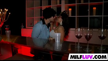 hefty-chested latina cougar dulce gets banged