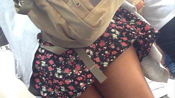 gostosa de vestido curto