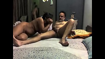 indian mommy having hook-up with her spouse massive bro