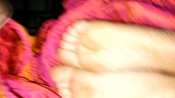 nutting on feet