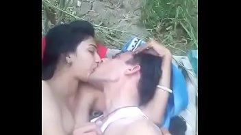 desi gf fuking him beau at outdoor khet wfx