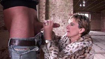 mature fetish pantyhose mega-bitch gets pulverized