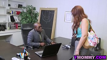 ymommy-15-12-16-angry-cougar-gets-dual-smashed-1