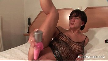 supah-sexy mommy on high-heeled slippers doing puss with.