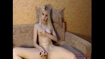 very wonderful gal fumbles her beaver on webcam blondecamsinfo