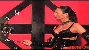 domina gives a victim a torrid sesh hd.