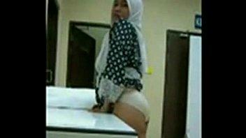 dark obese bottomed indonesian wanita