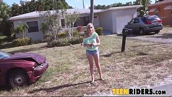 hitchhiking teenie kiera daniels - blondes sweet butt bounces